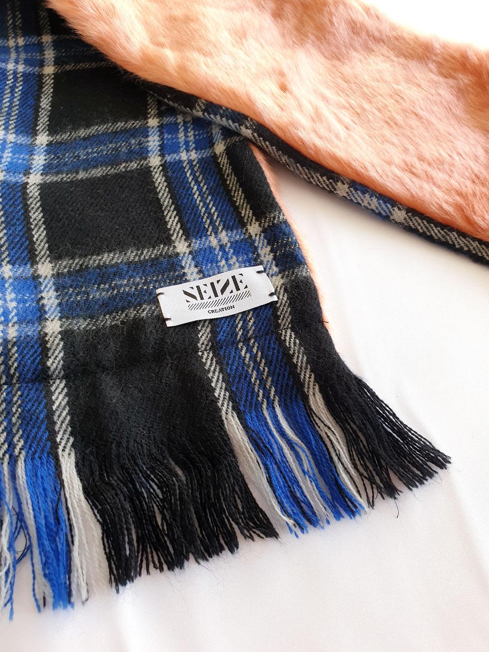 AtelierNumeroSeize_pink-scarf-blue-side